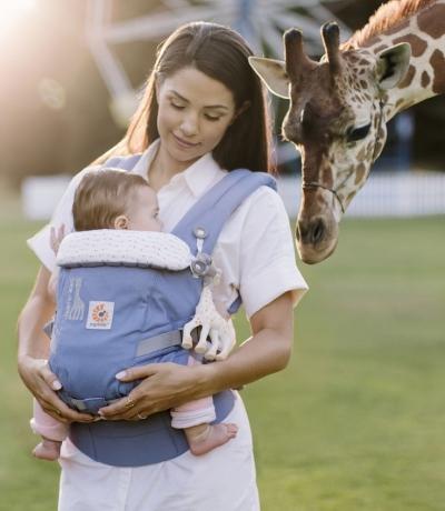 Ergobaby Babytrage, 360° 4-Positionen, Sophie La Girafe