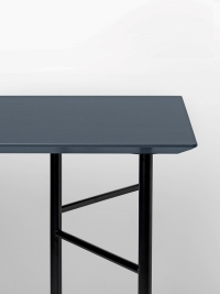 Ferm Living Tisch in Charcoal, 135 cm (div. Beinfarben)